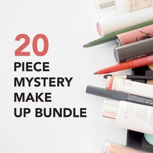 20 PIECE MYSTERY MAKE UP BUNDLE